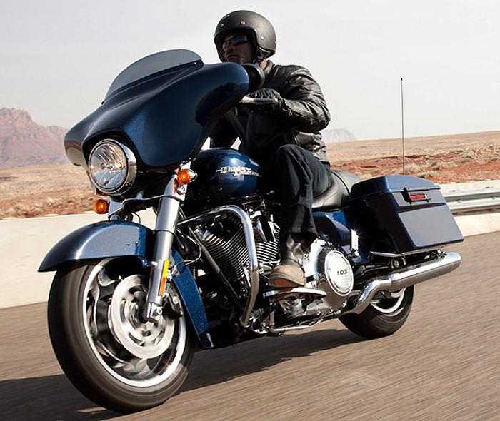 harley davidson 1690 street glide flhx 2012 fiche moto motoplanete. Black Bedroom Furniture Sets. Home Design Ideas