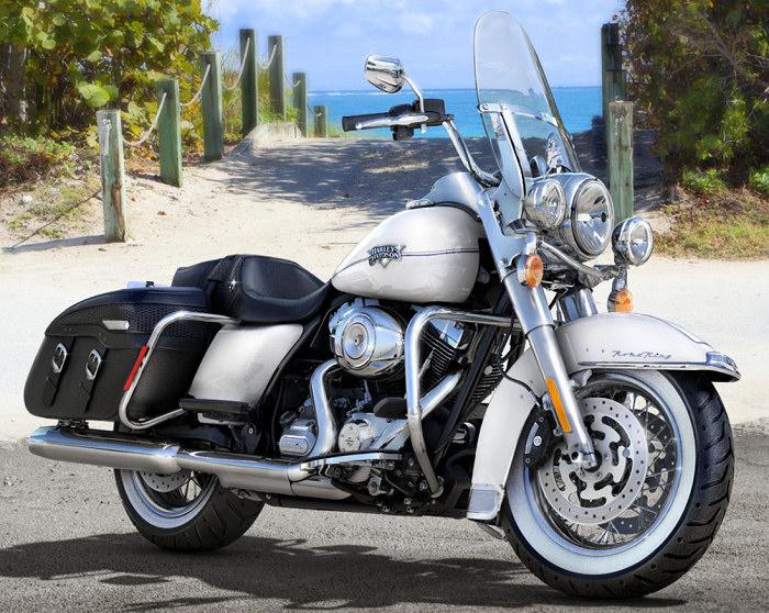 Harley-Davidson 1690 ROAD KING CLASSIC FLHRCI
