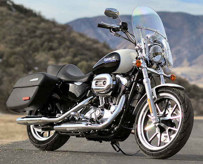 Sportster   1200 T SUPERLOW Harley-sportster-superlow-1200-T-2014-700px