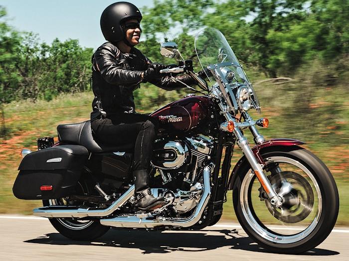 harley davidson xl 1200 t superlow 2017 fiche moto motoplanete. Black Bedroom Furniture Sets. Home Design Ideas