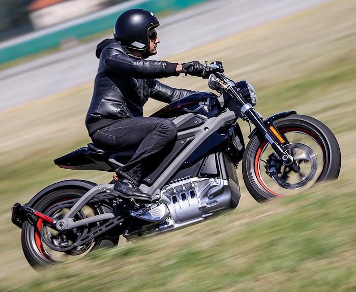 harley davidson livewire 2015 essai moto motoplanete. Black Bedroom Furniture Sets. Home Design Ideas
