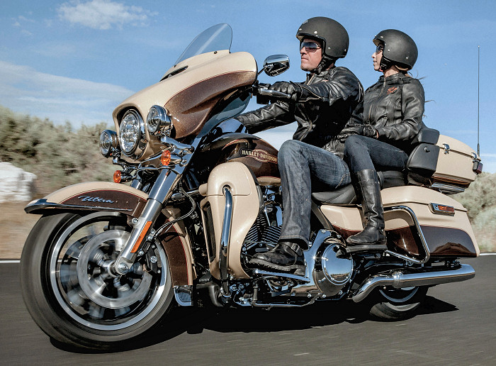 Equipement Pour Electra Glide Ultra Classic  Harley Davidson