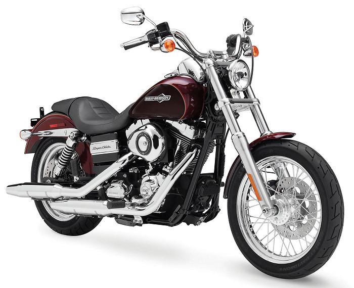 harley davidson 1690 dyna super glide custom fxdc 2014 fiche moto motoplanete. Black Bedroom Furniture Sets. Home Design Ideas
