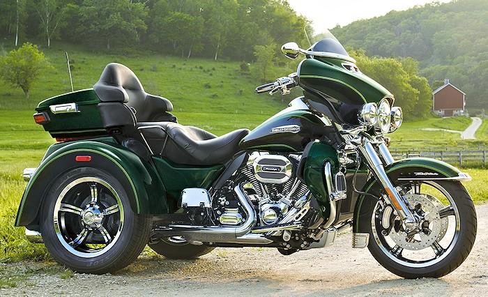 2017 Harley Davidson Tri Glide Ultra: Harley-Davidson 1690 TRI GLIDE ULTRA FLHTCUTG 2016