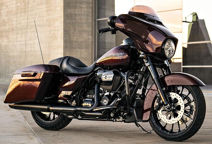 harley davidson 1745 street glide special flhxs 2018 fiche moto motoplanete. Black Bedroom Furniture Sets. Home Design Ideas