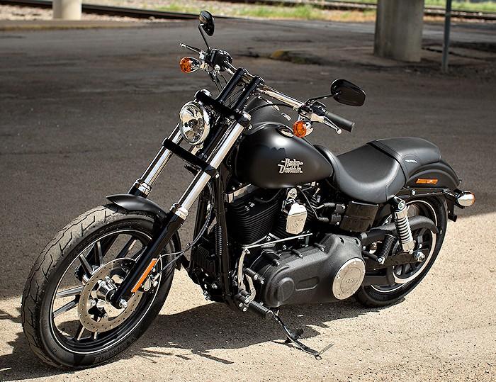 Cote Harley Davidson Street Bob De