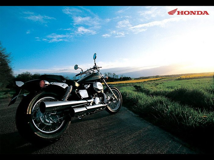 Honda VT 750 DC Black Widow 2000 - 6