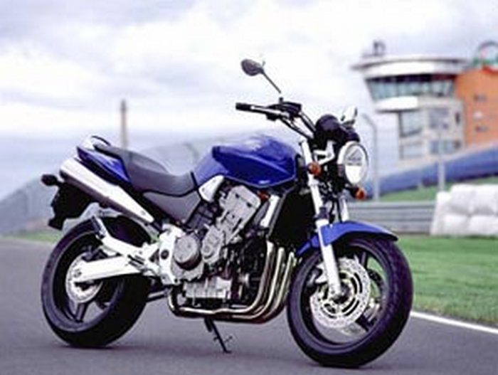 honda cbf 900 hornet 2002 galerie moto motoplanete. Black Bedroom Furniture Sets. Home Design Ideas