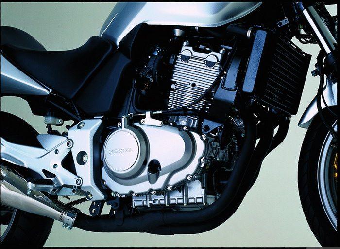 Honda CBF 500 2004 - 15