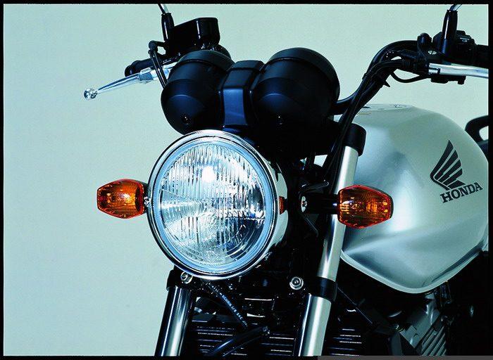 Honda CBF 500 2004 - 12