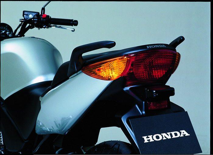 Honda CBF 500 2004 - 13