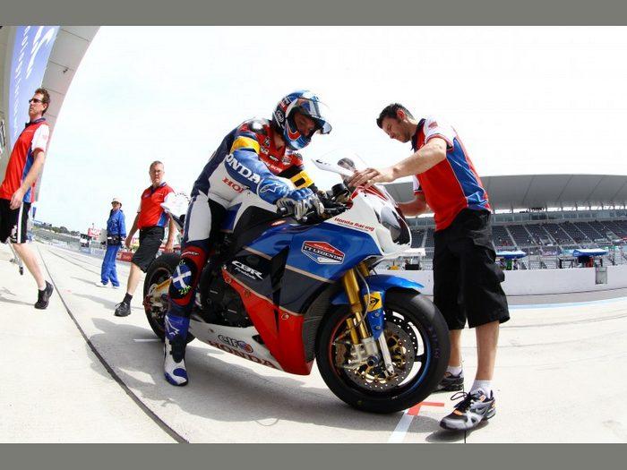 Honda CBR 1000 RR Endurance TT Legends 2011 - 7