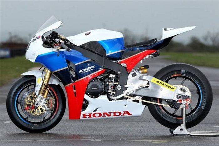 Honda CBR 1000 RR Endurance TT Legends 2011 - 4