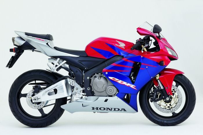 Honda CBR 600 RR 2005 - 10