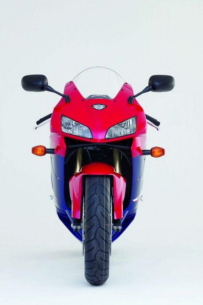 Honda CBR 600 RR 2005 - 5