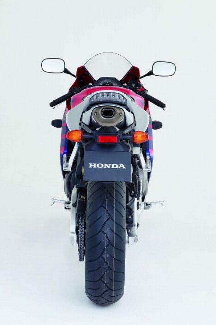 Honda CBR 600 RR 2005 - 3