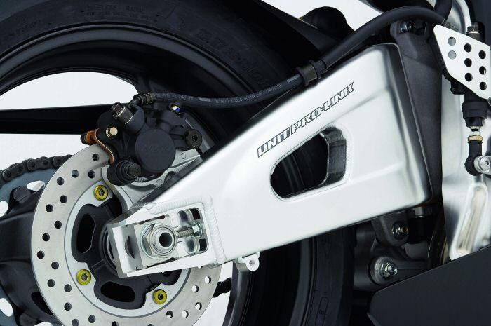 Honda CBR 600 RR 2005 - 19