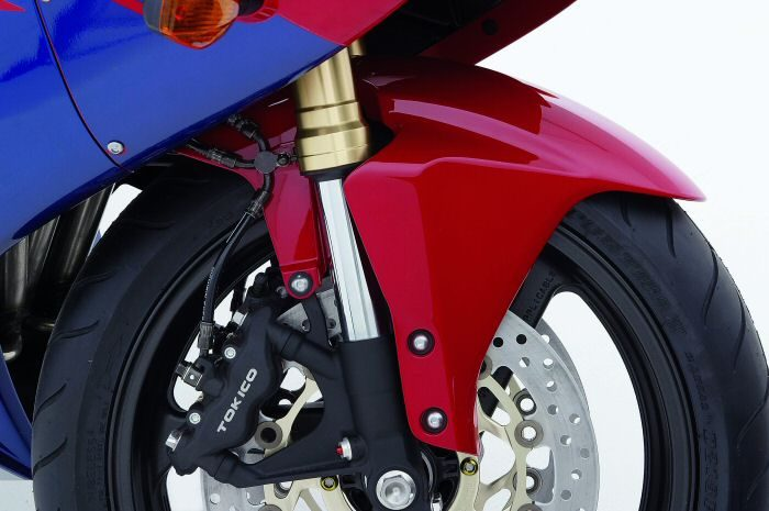 Honda CBR 600 RR 2005 - 14