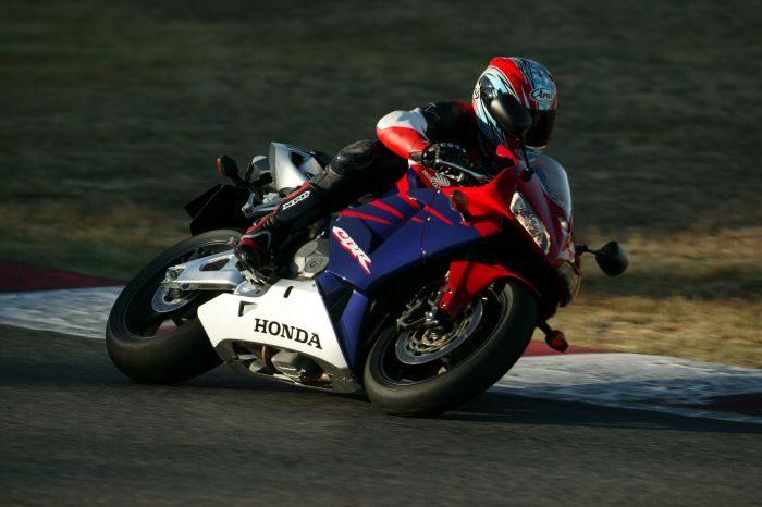 Honda CBR 600 RR 2005 - 12