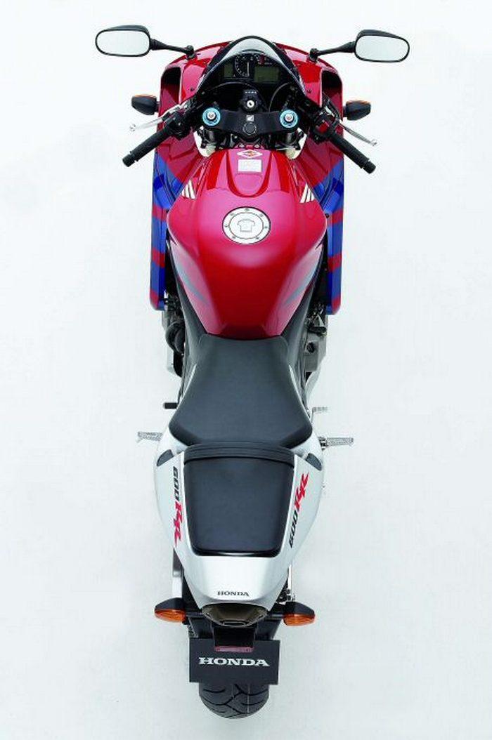 Honda CBR 600 RR 2005 - 13