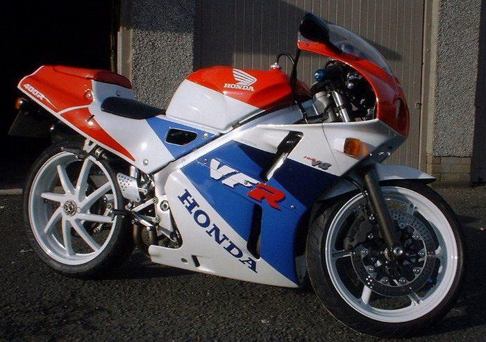 Honda NC 30 - VFR 400 R 1993 - 3