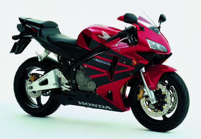 honda cbr 600 rr 2004 fiche moto motoplanete. Black Bedroom Furniture Sets. Home Design Ideas