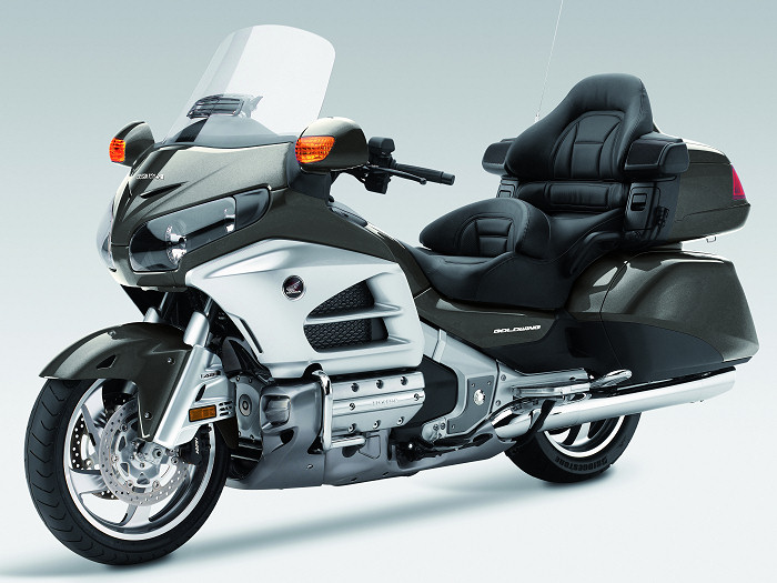 honda gl 1800 goldwing 2013 fiche moto motoplanete. Black Bedroom Furniture Sets. Home Design Ideas