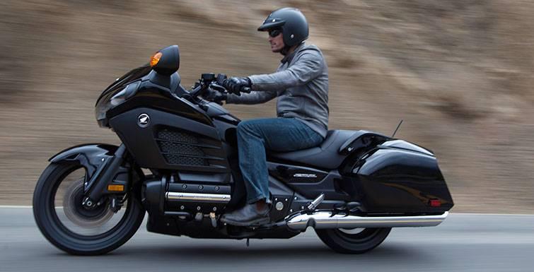 honda gl 1800 goldwing f6b 2013 fiche moto motoplanete. Black Bedroom Furniture Sets. Home Design Ideas