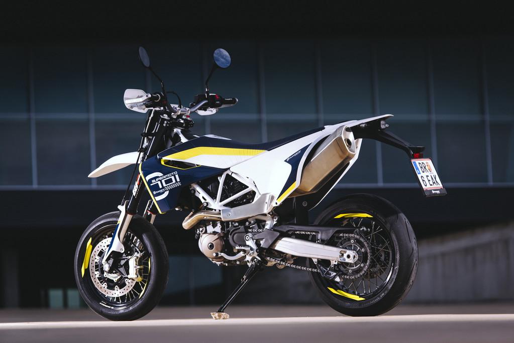 husqvarna 701 supermoto 2016 galerie moto motoplanete. Black Bedroom Furniture Sets. Home Design Ideas