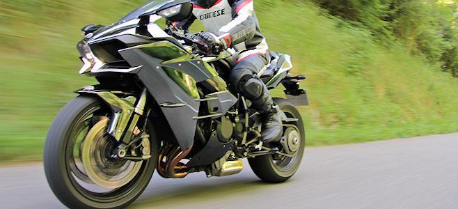 Revivez notre essai de la Kawasaki Ninja H2