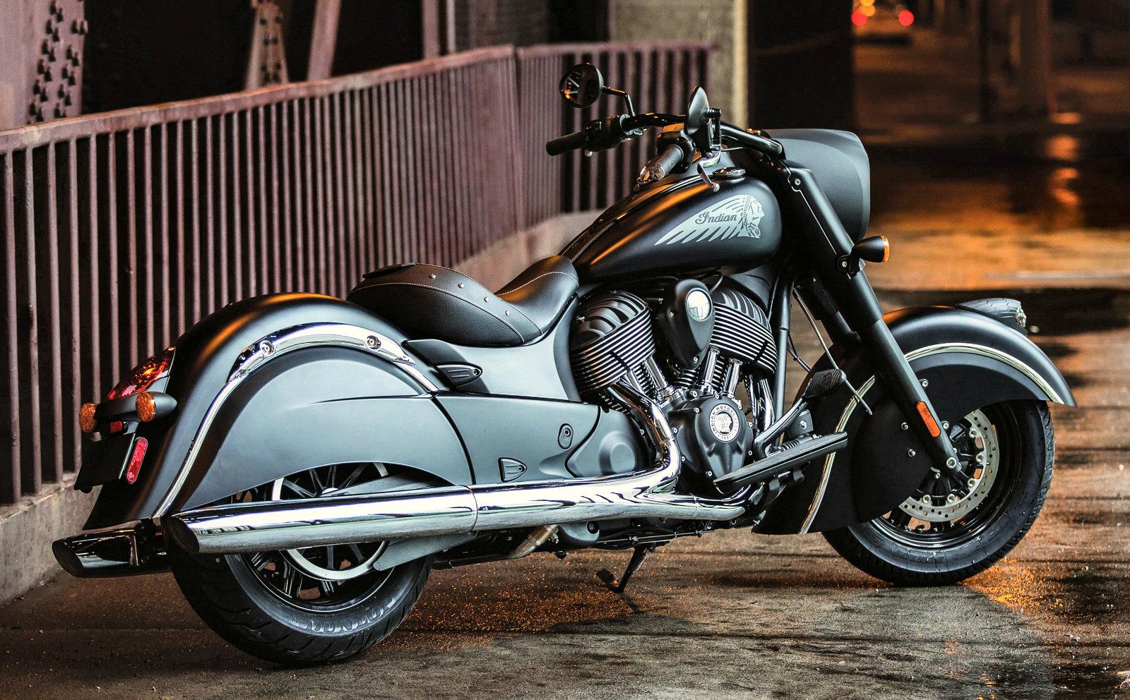 indian 1811 chief dark horse 2017 galerie moto motoplanete. Black Bedroom Furniture Sets. Home Design Ideas