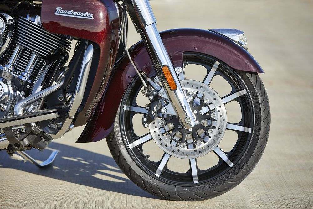 Indian 1890 Roadmaster Limited 2021 - 16