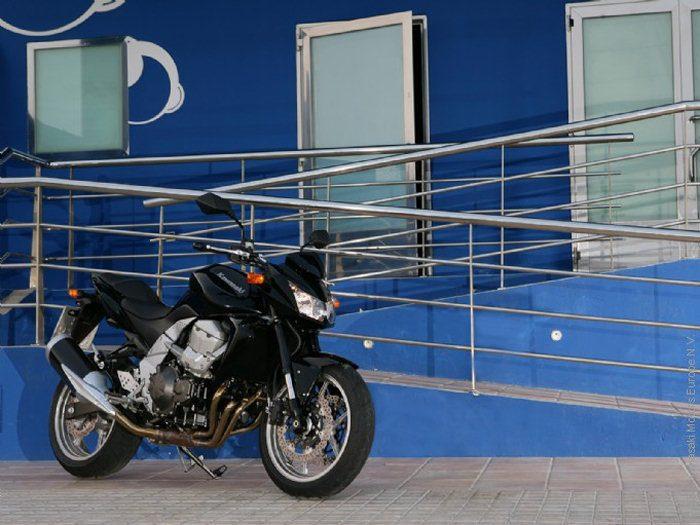 Kawasaki Z 750 2011 - 11