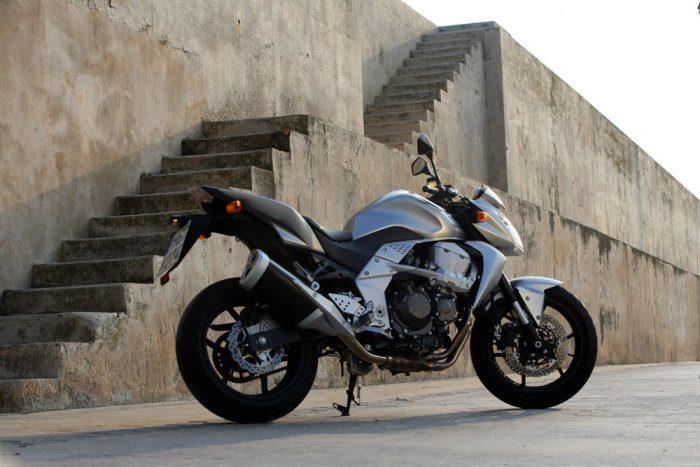 Kawasaki Z 750 2011 - 55