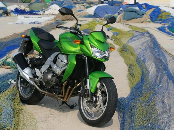 Kawasaki Z 750 2009 - 18