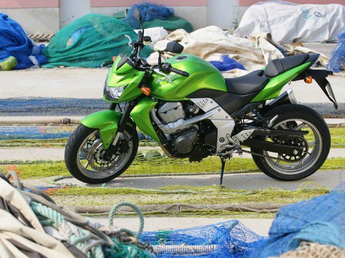 Kawasaki Z 750 2011 - 19