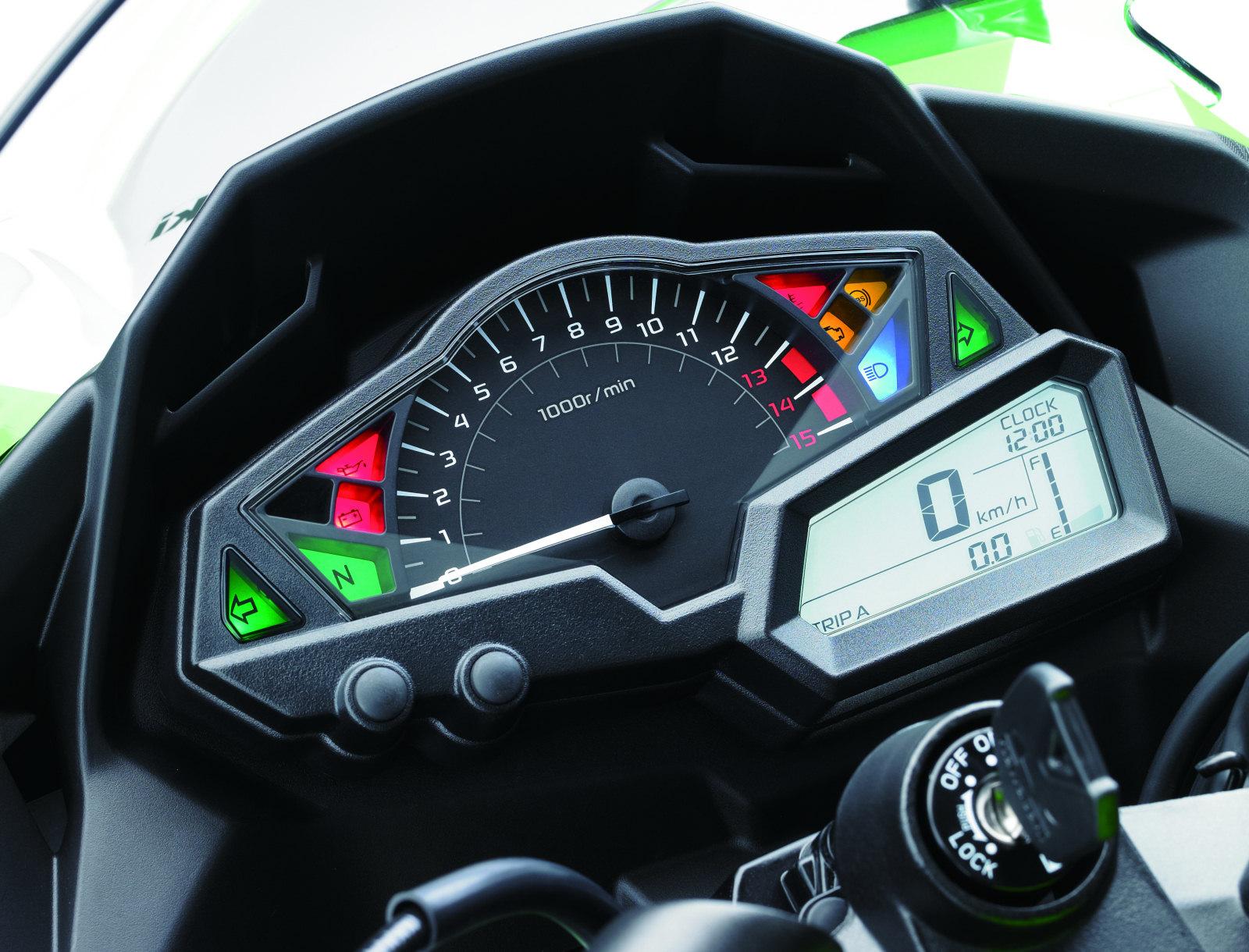 Kawasaki Ninja 300 R 30ème anniversaire 2015 - 3