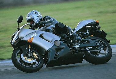 moto Kawasaki ZX-6R 636 2006