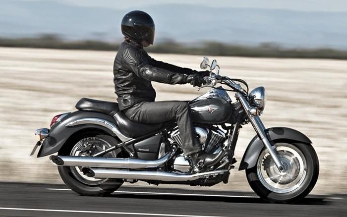 kawasaki vulcan 900 classic 2016 fiche moto motoplanete. Black Bedroom Furniture Sets. Home Design Ideas
