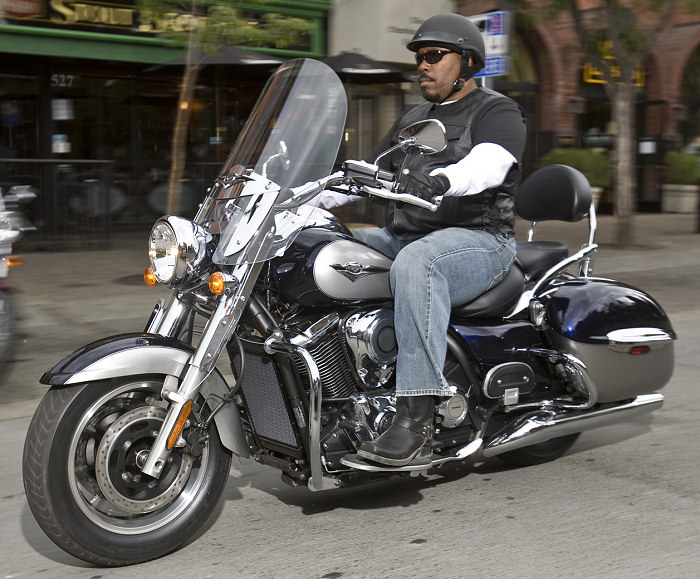 Dr Du Pare Brise >> Kawasaki VN 1700 Classic Tourer 2011 - Fiche moto ...