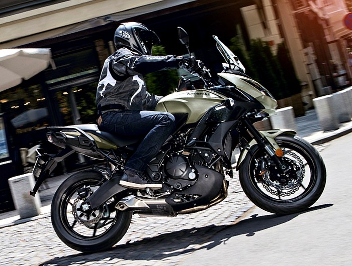 kawasaki versys 650 2017 fiche moto motoplanete. Black Bedroom Furniture Sets. Home Design Ideas