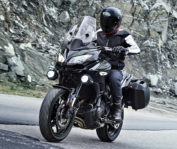 kawasaki versys 650 tourer plus 2017 fiche moto motoplanete. Black Bedroom Furniture Sets. Home Design Ideas