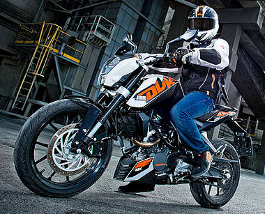 ktm 125 duke 2014 essai moto motoplanete. Black Bedroom Furniture Sets. Home Design Ideas