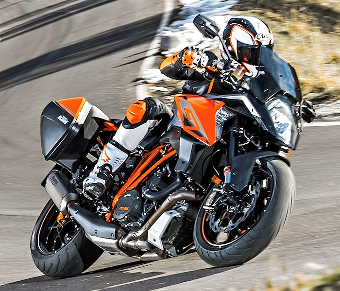 ktm 1290 superduke gt 2016 fiche moto motoplanete. Black Bedroom Furniture Sets. Home Design Ideas