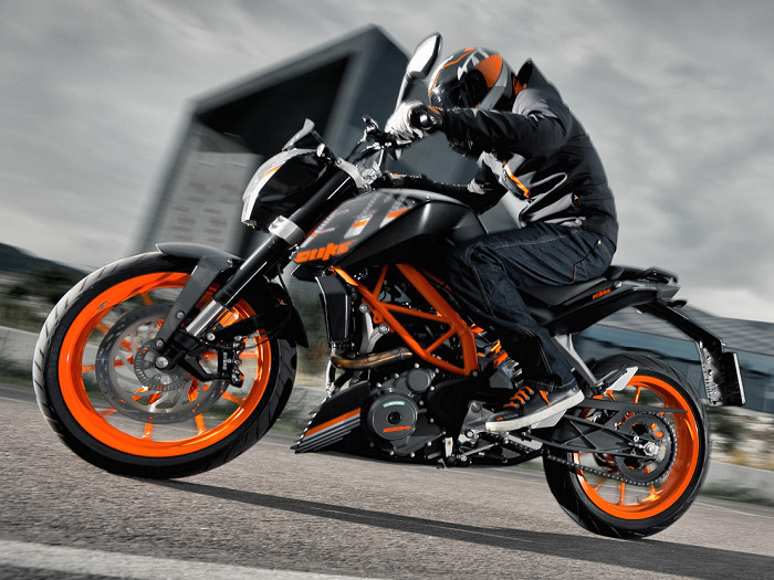 ktm 390 duke 2016 fiche moto motoplanete. Black Bedroom Furniture Sets. Home Design Ideas