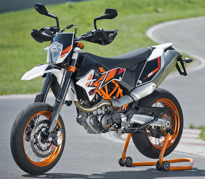 ktm 690 smc r 2014 fiche moto motoplanete. Black Bedroom Furniture Sets. Home Design Ideas