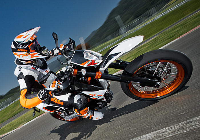 ktm 690 smc r 2015 fiche moto motoplanete. Black Bedroom Furniture Sets. Home Design Ideas