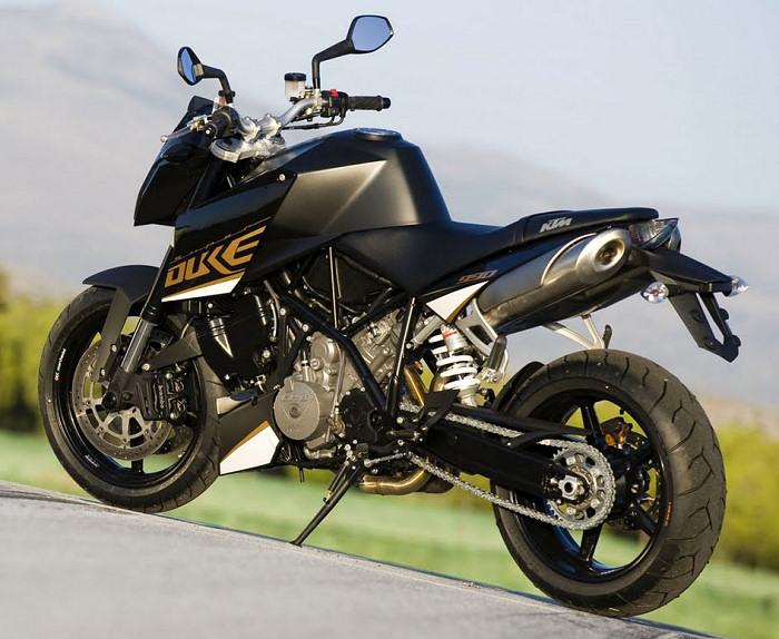 ktm superduke 990 2013 fiche moto motoplanete. Black Bedroom Furniture Sets. Home Design Ideas