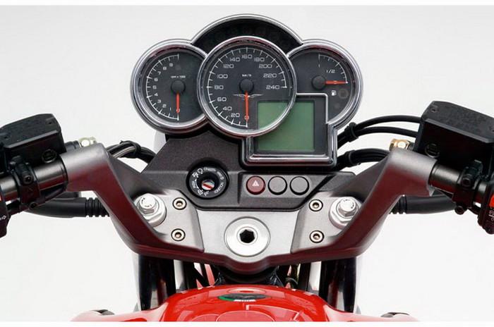 Moto-Guzzi 1100 BREVA 2008 - 2