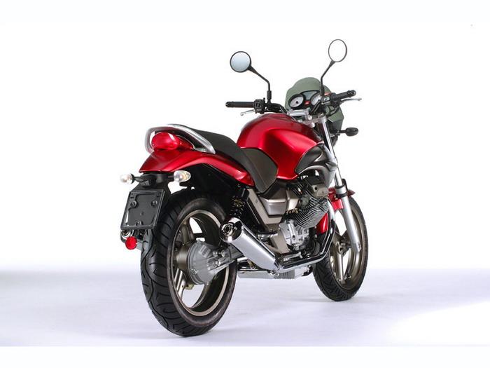 Moto-Guzzi 750 BREVA 2003 - 4